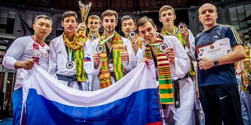 Южноуральский тхэквондист Константин Минин — двукратный серебряный призер командного чемпионата мира