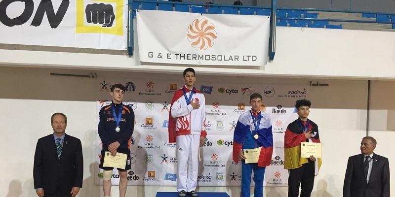Южноуральский тхэквондист Валерий Шиманов — бронзовый призер первенства Европы среди юниоров на Кипре